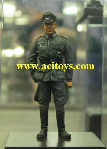 click to see new 1/35 Painted figure series